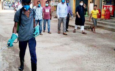 ছাতকে পৌরসভার উদ্যোগে  শহরে ছিটানো হচ্ছে জীবানুনাশক স্প্রে
