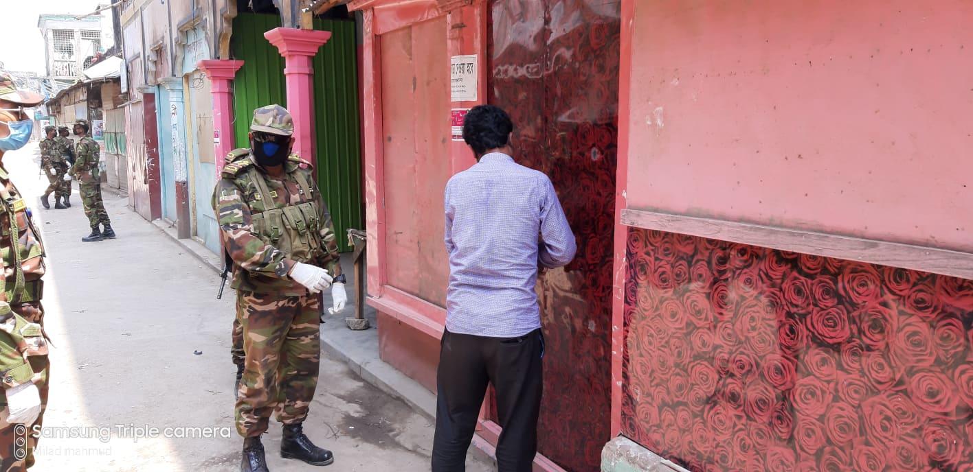 আজমিরীগঞ্জে সেনাবাহিনীর জোরদার টহল অব্যাহত