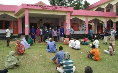 আজমিরীগঞ্জে দিনমজুর অসহায়দের মাঝে চিকিৎসকের খাদ্য সামগ্রী বিতরন