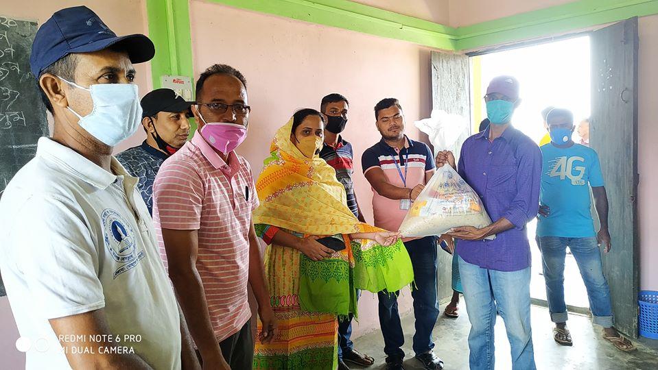 কমলগঞ্জে ২৫০ পরিবারকে খাদ্য সামগ্রী প্রদান