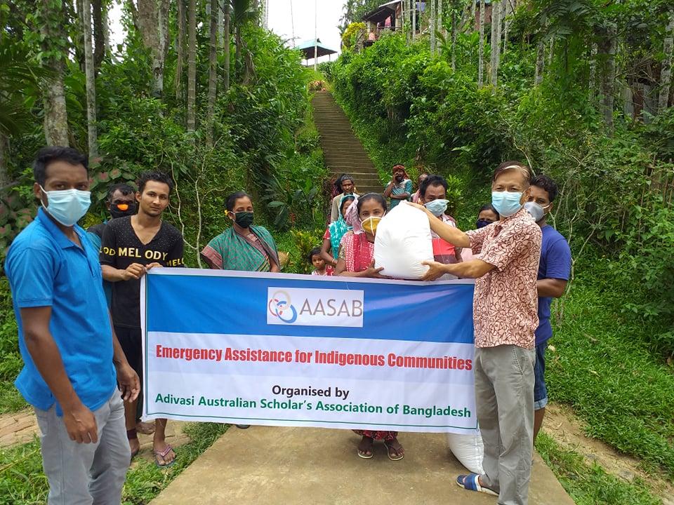 কমলগঞ্জে ৫০টি দরিদ্র আদিবাসী পরিবারে খাদ্য সহায়তা