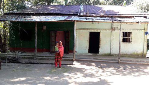 কানাইঘাটে প্রবাসীর বাড়িতে শতাধিক গাছের চারা কাটার অভিযোগ : মামলা দিয়ে বিপাকে সালমা