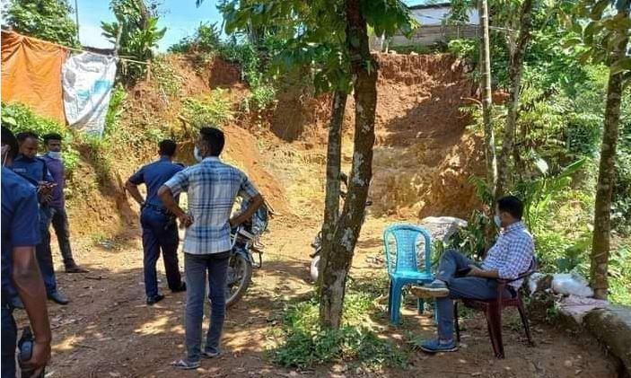 দোয়ারাবাজারে অবৈধভাবে টিলা কাটার অপরাধে ২০ হাজার টাকা জরিমানা